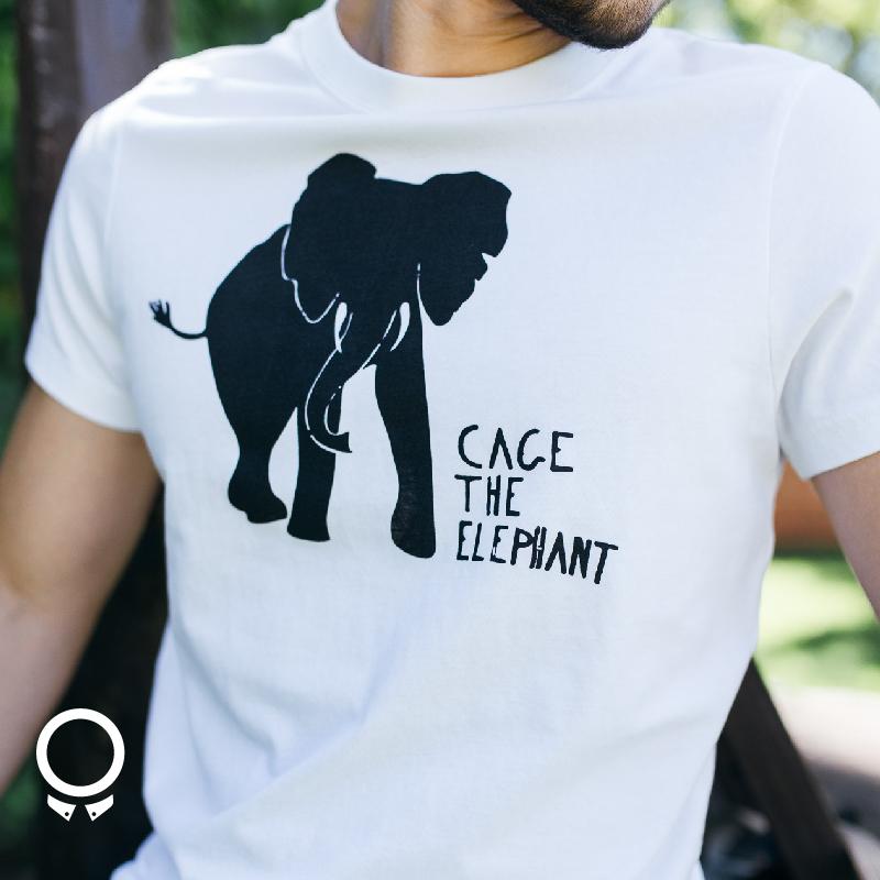 REMERA ABERCROMBIE BLANCA ESTAMPA CACE THE ELEPHANT
