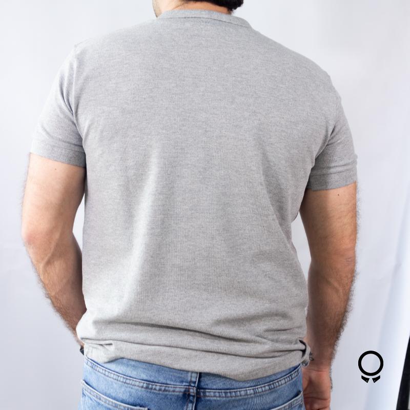 REMERA LIBERATO BASICS CUELLO POLO GRIS