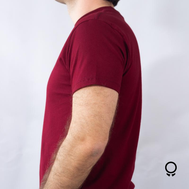 REMERA LIBERATO BASICS CUELLO REDONDO BORDO